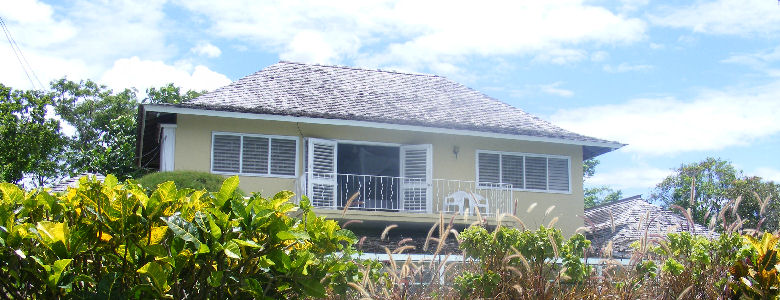 Sencillo, Mammee Bay Guest House